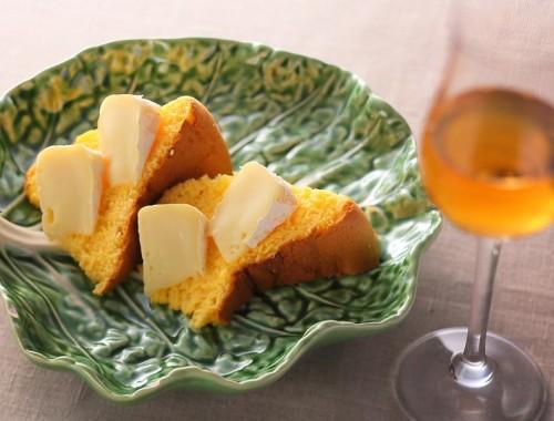 ミーニョ地方のパォンデローとカーマンベールチーズ +ポートワインルビー又はマデイラ酒3年物